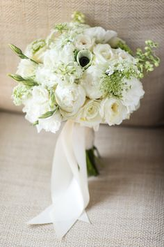 Next up! Nothing fussy happening here, purely timeless, purely perfect. #peonies #roses #anemone #lisianthus #gardenroses Photography: Brian Leahy Photography xo #lillabello #cwdbestbouquet2018 Don't wait! Schedule your wedding consultation today!