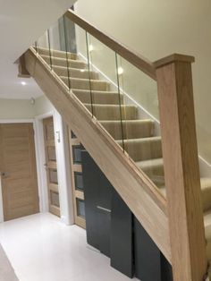 Modern Staircase Design Ideas - Stairs are so usual that you do not give them a reservation. Have a look at best 10 instances of modern staircase that are as stunning as they are . Balustrades, Glass Balustrade, Staircase Railings, Staircase Design, Banisters, Staircase Makeover, Glass Stair Railing, Staircase Ideas, Glass Bannister