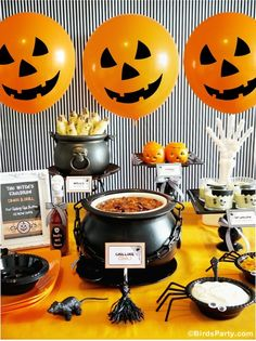 A Halloween Chilling Chili Party Buffet - Halloween Party Buffet Halloween, Halloween Food For Party, Halloween Party Decor, Spooky Halloween, Baby Halloween, Halloween Treats, Diy Party, Ideas Party, Party Crafts