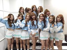 Cosmic Girls Kpop Girl Groups, Korean Girl Groups, Kpop Girls, Yuehua Entertainment, Starship Entertainment, Lee Jin, Cute School Uniforms, Kim Hyun, Cheng Xiao