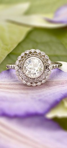 Gorgeous! timeless and unique, Love this vintage style