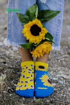 Are you always shining, in a positive mood, sharing happiness, looking for light and the Sun even on cloudy days? 🌞 Are you such a beautiful sunflower for your surroundings? 🌻 In addition, if you like cheerful socks with playful themes, these socks are made for you. 😉 #sunflower #sommersocks #stylishsocks #sunflowersocks #lowsocks #anklesocks Always Shine, Cloudy Day, Ankle Socks, Cheer, Happiness, Mood, Sun, Unique, Summer