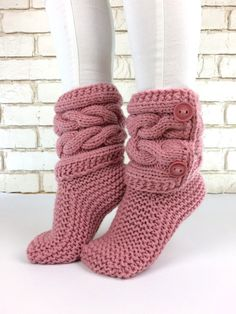 Italian Wool Slippers - Soft knitted Slippers - Hand knitted Pale Rose Slippers - Slippers - Knitted boots - Pink slippers by WowKnitAndCo Knitted Booties, Knit Boots, Knitted Slippers, Crochet Shoes, Crochet Clothes, Knit Crochet, Crochet Granny, Crochet Christmas Decorations, Pink Slippers