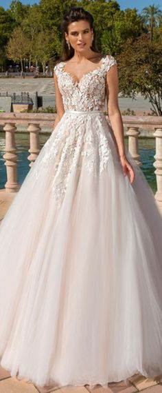 Stunning Tulle & Satin Bateau Neckline A-Line Wedding Dresses With Lace Appliques