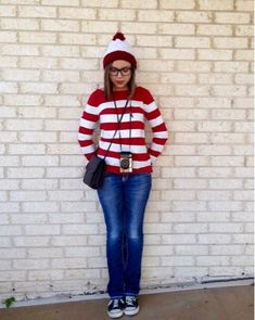 22 Easy Modest Halloween Costumes You'll Love This post contains the best modest Halloween costumes for women. The costume ideas include DIY, Disney, dresses, and fun and creative ones too. One of the costumes is a Where's Waldo costume. Meme Costume, Where's Waldo Costume, Diy Halloween Costumes For Women, Halloween Diy, Halloween Couples, Easy Costumes Women, Zombie Costumes, Halloween Office, Halloween Makeup