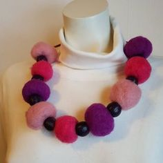 by itu ( Crochet Necklace, Beaded Necklace, Itu, Helmet, Jewelry, Instagram, Design, Crochet Collar, Jewellery Making