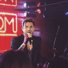 We were lucky enough to catch @adamlambert at #novasredroomglobaltour last night!  #adamlambert #australia