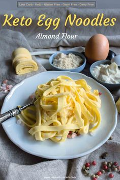 These Homemade Keto Egg Noodles Recipe with a perfect texture and only 4 ingredients and 8 minutes to bake are a perfect addition to your Low Carb Living. Fully Gluten-Free, Low Carb and easy to make, Egg Noodle Recipes, Shrimp Recipes, Beef Recipes, Cooking Recipes, Low Carb Noodles, Pasta Noodles, Comida Keto, Low Carb Sauces, Keto Bread