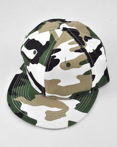 Unisex / Green / Camo Solid Fitted / Hats