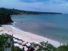 Dreamland Beach (New Kuta Beach) in Badung, Bali