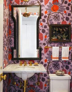 Making the most of a small powder room! Tilton Fenwick powder room with Osborne & Little paper in NY Cottages & Gardens Decoration Chic, Decoration Design, Bathroom Inspiration, Interior Inspiration, Downtown Lofts, Powder Room Design, Interior Decorating, Interior Design, Decorating Ideas