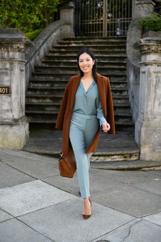 business attire for women Casual Work Outfits, Business Casual Outfits, Work Attire, Classy Outfits, Chic Outfits, Fashion Outfits, Teal Outfits, Outfit Work, Fashion Weeks