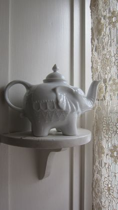 Antique cast iron tea kettle number 7 coffee pot primitive antiques tea kettles and coffee - Elephant cast iron teapot ...