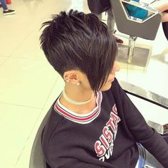 Hair cut by My Hairstyle, Cute Hairstyles For Short Hair, Pixie Hairstyles, Pixie Haircut, Short Hair Cuts, Short Hair Styles, Pixie Cuts, Retro Hairstyles, Pelo Guay