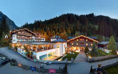 """""""Traumhaftes Familienhotel in idyllischer Lage"""", Kinderhotel & Bauernhof-Resort Habachklause in Bramberg am Wildkogel • Salzburger Land, Österreich"""