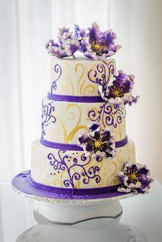 Purple Wedding Cakes, Cream Cake, Desert Recipes, Creative Food, Cake Art, Purple Flowers, Cookie Decorating, Sweet, Desserts