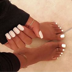 Pedicure white nails toenails New ideas Toe Nails White, White Summer Nails, Pretty Toe Nails, White Nail Polish, Gorgeous Nails, White Toes, Nail Colors For Summer, White White, Aycrlic Nails