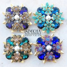 Such brooches at the same price Swarovski Stones, Maltese Cross, Flower Necklace, Beaded Flowers, Beaded Embroidery, Beaded Jewelry, Jewellery, Jewelry Making, Charmed