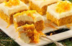 Klassiskt saftig morotskaka som får lite extra smak av saffran. Toppa den mjuka kakan med en krämig frosting på färskost och vit choklad. Du bakar morotskakan i långpanna, det är enkelt och...