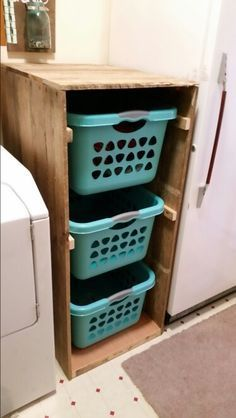 Diy Furniture - 28 DIY Laundry Room Storage Center - The laundry room is an excellent place to e. Laundry Room Makeover, Home Organization, Diy Home Decor, Diy Laundry Room Storage, Home Diy, Pallet Diy, Laundry Basket Holder, Diy Furniture, Room Organization