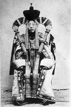 Mongolia 1920s married khalkha Mongol woman