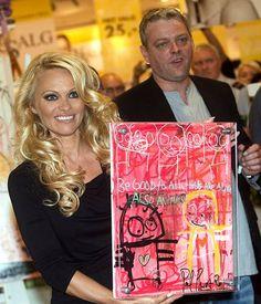 Pamela Anderson and Poul Pava, Denmark Vejle, Pamela, Denmark, Kunst, Velvet