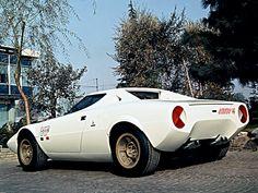 1971 Lancia Stratos HF Prototype by Bertone Retro Cars, Vintage Cars, 70s Cars, Maserati, Mopar, Alfa Romeo, Dodge, Fiat Abarth, Unique Cars