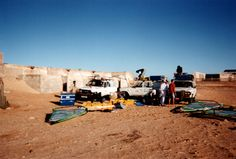 Après les prises de vue,préparation des 4x4 pour le grand départ : direction Dakar