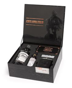box kit coffret Captain Morgan Black Spiced Rum Brand Launch Kit designed by The O Group Captain Morgan, Gift Box Packaging, Luxury Packaging, Beverage Packaging, Black Packaging, Design Packaging, Bottle Packaging, Packaging Ideas, Bar Lounge