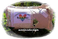 Geldgeschenke - Geschenk Regenbogenhochzeit Namen Kissen Shabby - ein Designerstück von antjesdesign bei DaWanda