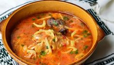 Ciorba De Pui Cu Taitei Romanian Food, Soups And Stews, Soul Food, Thai Red Curry, Food To Make, Yummy Food, Cooking, Sweet, Ethnic Recipes