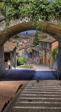 Acquedotto romano - Perugia - Umbria - Italia by - Wow! This captures the beauty of this place! Places Around The World, Oh The Places You'll Go, Places To Travel, Places To Visit, Dream Vacations, Vacation Spots, Perugia Italy, Umbria Italy, Tuscany