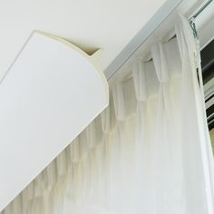 Molding for indirect lighting. Collection of high quality crown molding designed for indirect lighting, it is perfect for modern and contemporary interiors Bedroom Curtains With Blinds, Ceiling Curtains, Modern Curtains, Decorative Curtains, Cove Molding, Moulding, Rideaux Design, Orac Decor, Home Design