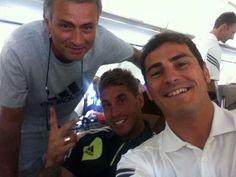 On their way to LA, Mou, Iker & Sergio...