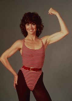Jane Fonda posing for fitness workout book 1982 Yoga Fashion, Fitness Fashion, Jane Fonda Workout, Jane Fonda Hairstyles, 80s Workout, Aerobics Workout, 1980s Fashion Trends, The Hollywood Reporter, Hollywood Stars