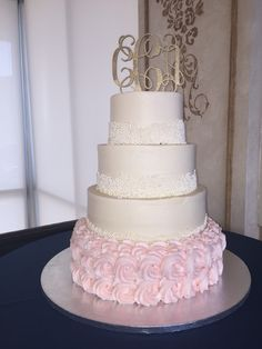 Wedding Cake At The Lesner Inn In Virginia Beach