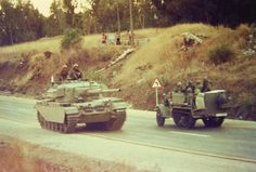 IDF Sho't Kal's make their way Machanayim, Yom Kippur War.