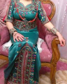 Kabyle dress algeria | robes kabyle et bijoux | Pinterest ...