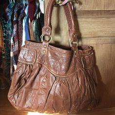 Urban outfitter large tote Never used! Good condition. Perfect for traveling or the beach! Urban Outfitters Bags Totes