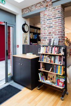 La modularité des meubles permettent d'agencer votre librairie comme vous le souhaitez. #dbcreations #mobibook Comme, Bookcase, Shelves, Home Decor, Bookstores, Photo Galleries, Furniture, Home Decoration, Shelving