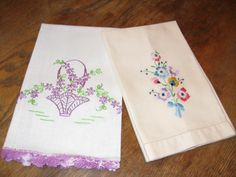 Pineapple House Antiques - Vintage Embroidered Floral Guest Towels