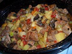 Ингредиенты:  - 1 кг свинины, можно взять ошеек - 1 кг картофеля - 2-3 зеленых болгарских перца ...