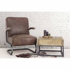 Vintage stoel en andere leren eetkamerstoelen vindt u bij ons.