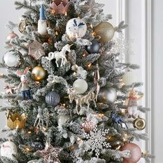 Christmas Tree Style Not For Sale Other Christmas Tree Colour Scheme, Gold Christmas Tree, Christmas Tree Design, Colorful Christmas Tree, Christmas Colors, Christmas Tree Decorations, Christmas Tree Ornaments, Christmas Time, Christmas Wreaths