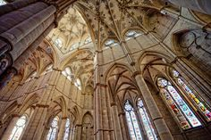 Cathedral ceiling (Spain)