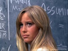 Susan George Actress, Sam Peckinpah, Movie Stars, Portrait Photography, Hollywood, Actresses, Actors, Long Hair Styles, People