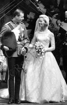 HRH Prince Edward, Duke of Kent, and Miss Katharine Worsley June 8, 1961 York Minster, York, England. On top of her white tulle veil, Katherine wore a small diamond bandeau tiara once worn by Queen Mary