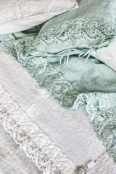 #danieladallavalle #artepura #fw15 #collection #white #green #bed #sheets