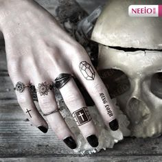 Alibaba グループ | AliExpress.comの 一時的な入れ墨 からの temporary tattoo stickers waterproof women arm leg shoulder back clock witch butterfly face body art sex products makeup 中の 女性の一時タトゥーステッカー防水セックス製品ビーチ冬マジック手指リング化粧ボディアートタトゥーステッカー