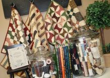 What a cute way to display tiny quilts!